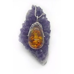 Jewelry - Silver & Amber pendant